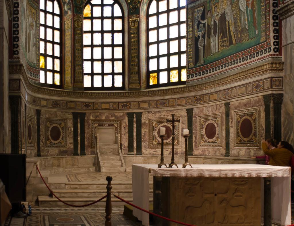 vitale altar